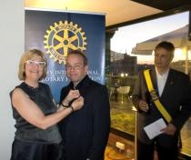"La padrina imposa el ""pin Rotari..."