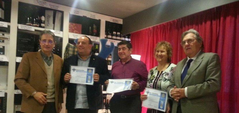 """Entrega de premis als vins guanyador i finalistes del """"1r Concurs VI SOLIDARI ROTARY CLUB LLEIDA 2014″… en favor de la lluita contra lapolio."""
