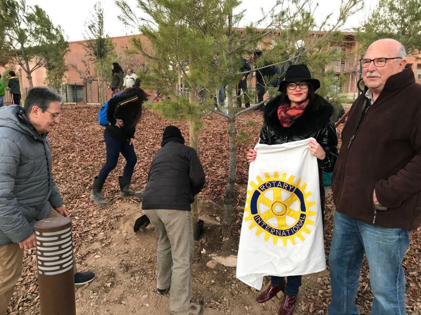 El RC de Lleida participa en la plantació d'arbres al bosc urbà del barri de Balàfia aLleida